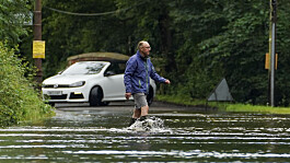 UK weather: Flood alerts as heavy rain forecast in southern England
