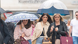 UK weather: Scattered showers with top temperature of 23C