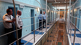 Drugs sentencing: Should small time criminals avoid jail?