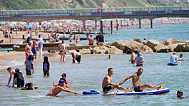 England set for hottest day of the year as heatwave hits UK