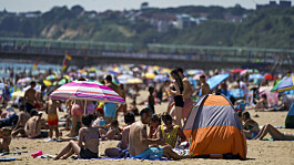 Temperatures set to soar to 33C after extreme heat warning issued