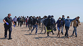 Number of migrants crossing English Channel in 2021 surpasses 2020 record
