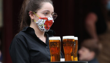 Covid: 'Summer of closures' predicted for pubs and restaurants due to 'pingdemic'
