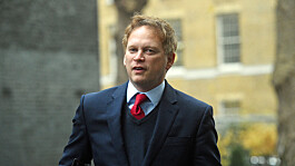 Holidays: Grant Shapps defends changes to travel rules