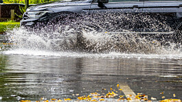 UK weather: Heavy rain and thunderstorms bring risk of flooding and travel disruption