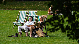 Weather: Hot temperatures and sunny skies scorch the UK