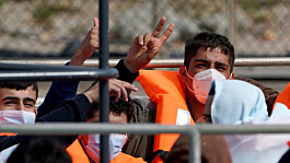 The UK would not infringe international law in dealing with channel migrants says minister