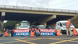 Climate protesters block M25 junctions, 11 arrested