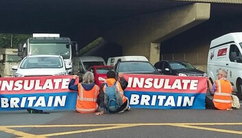 Climate protesters block M25 junctions