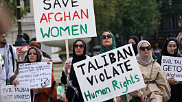 Refugees: Up to 20,000 Afghans fleeing Taliban able to stay in UK permanently, says minister