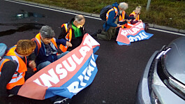 Insulate Britain activists block M25 junction twice in one day