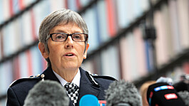 Sarah Everard: People stopped by lone police officer could 'wave down a bus' or 'run into a house', say Met