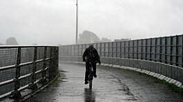 UK weather: Dry in south with heavy rain set to batter northern England
