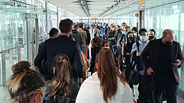 Travel: Airline passengers report delays of up to four hours as e-gates fail again