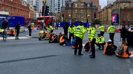 Insulate Britain protesters arrested after shutting down central London