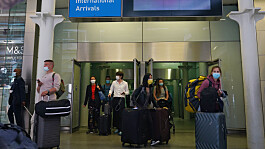 French police haul British passenger from Eurostar for 'wearing wrong type of mask'
