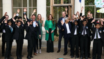 The Duke and Duchess of Cambridge alongside children from The Heathlands School with Mayor of London Sadiq Khan (right), TV presenter Steve Backshall MBE (2nd left) and Olympian Helen Glover (3rd left) during a visit to the Royal Botanic Gardens, Kew, in south London