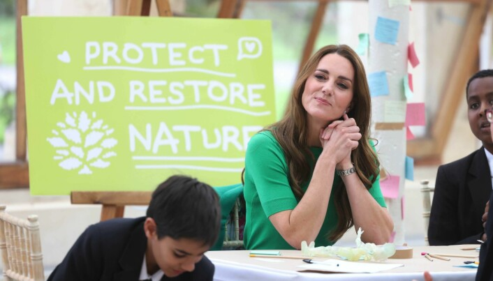 The Duke and Duchess of Cambridge with children from The Heathlands School during a visit to the Royal Botanic Gardens, Kew, in south London, to take part in a Generation Earthshot event.