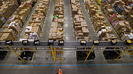 HGV drivers: Hundreds of Amazon employees training for new career