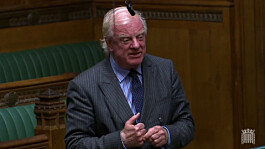 NHS: Tory MP calls for tax relief on private health insurance