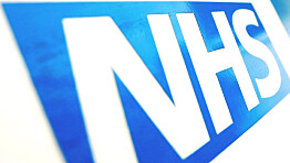 Covid: UK government urged to bring back restrictions after rise in deaths