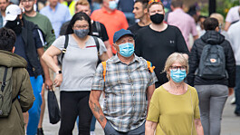Covid: Majority in England would wear mask if it was made mandatory, expert says