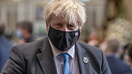 Covid: Boris Johnson rejects calls to activate Plan B