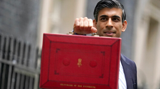 Budget 2021: Rishi Sunak offers help to low-paid workers, pubs and businesses as economy recovers