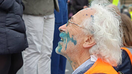 Insulate Britain protesters squirted with ink as they block roads
